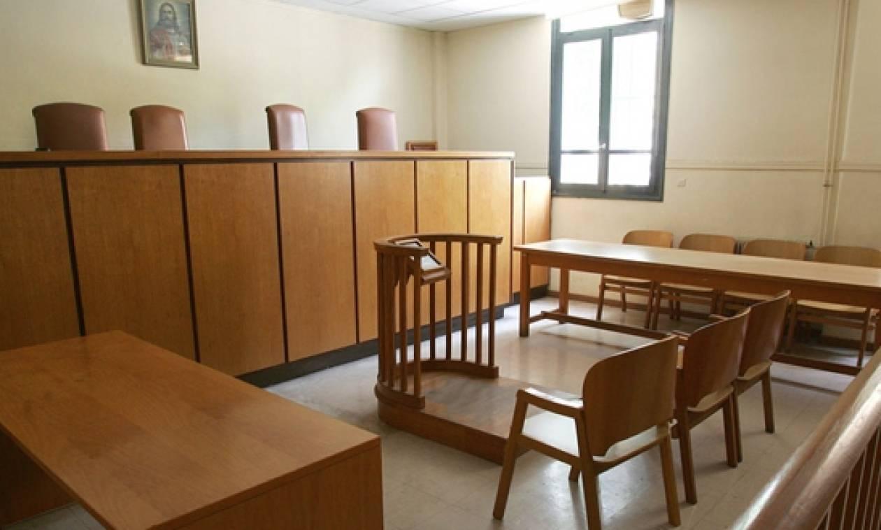 Έρχονται άμεσες προσλήψεις 425 δικαστικών υπαλλήλων