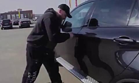 Δείτε πώς μπορούν να κλέψουν ένα πολυτελές αυτοκίνητο σε δύο λεπτά! (video)