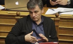 «Μασάζ» Τσακαλώτου στους βουλευτές του ΣΥΡΙΖΑ για το πολυνομοσχέδιο