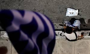 Η απαισιοδοξία κυριαρχεί στους Έλληνες - Προβλέπουν ύφεση και φέτος
