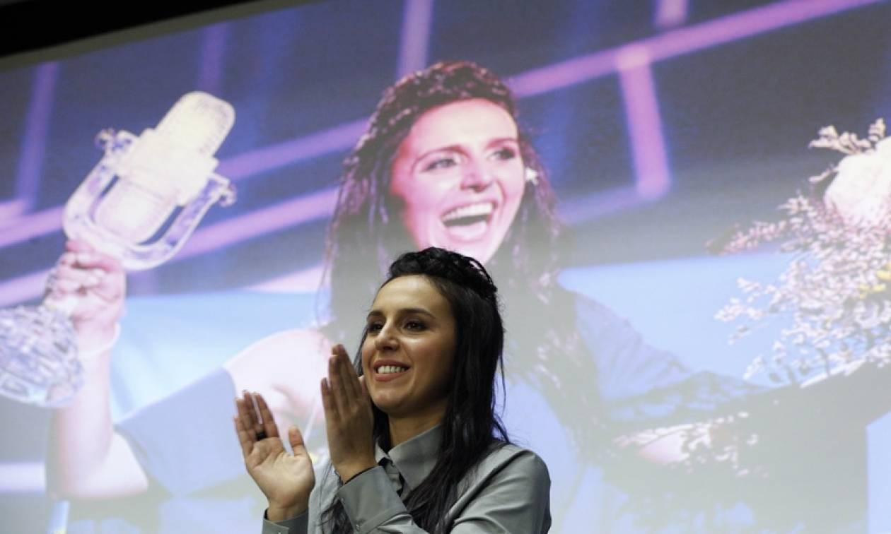 «Ένδειξη αδυναμίας» θεωρεί η νικήτρια της Eurovision Τζαμάλα τις αρνητικές αντιδράσεις της Ρωσίας