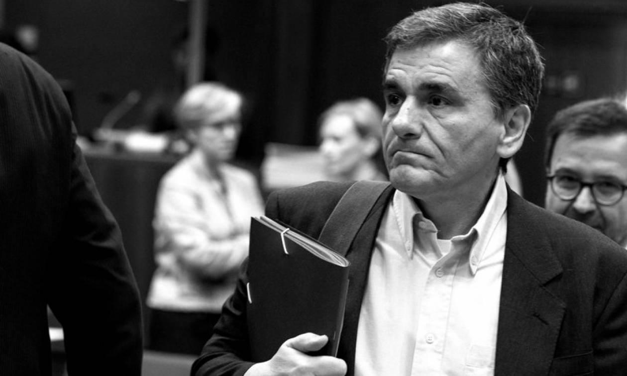 Handelsblatt: Ο Τσακαλώτος έχει φαντασία στους φόρους