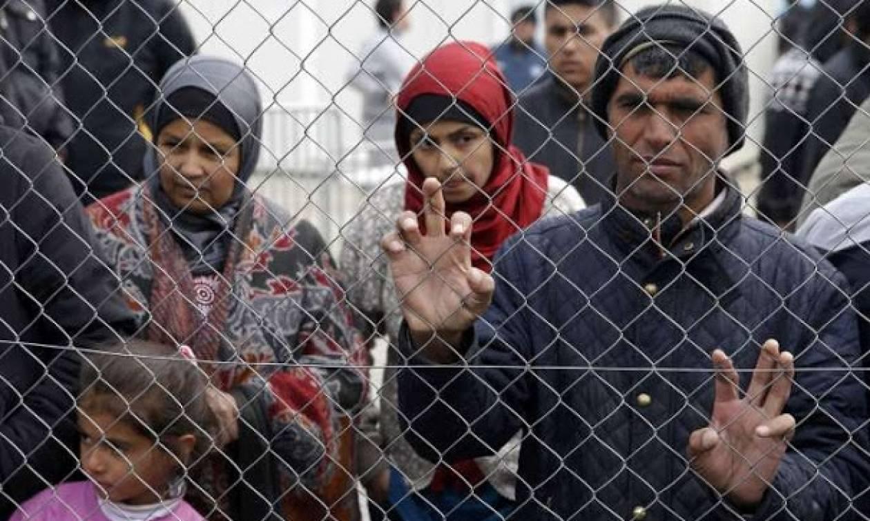 Κομισιόν: Εγκλωβισμένοι στην Ελλάδα οι πρόσφυγες - Μη ικανοποιητική η πρόοδος της μετεγκατάστασης