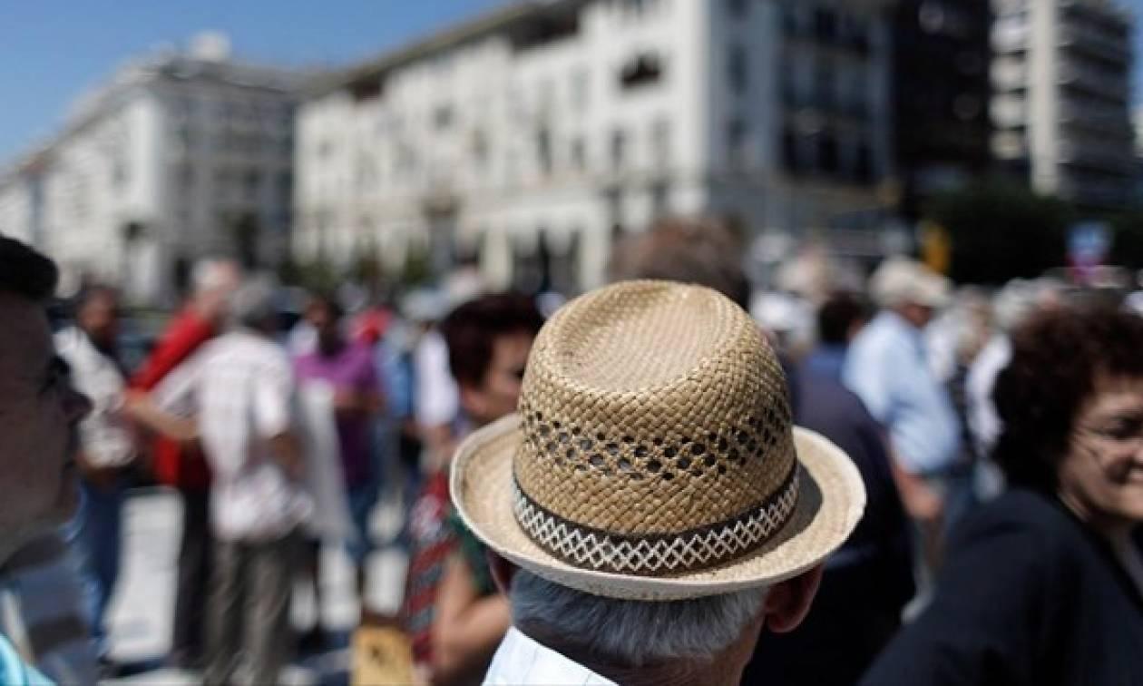 Πολυνομοσχέδιο: Μειωμένη συμμετοχή στα φάρμακα όσοι παύουν να είναι δικαιούχοι του ΕΚΑΣ