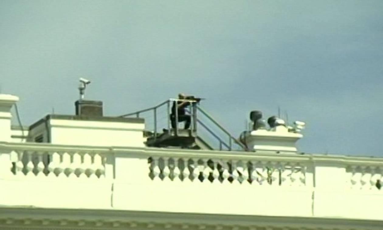 Πυροβολισμοί έξω από τον Λευκό Οίκο - Εκκενώθηκε το κτήριο (Pics & Vids)
