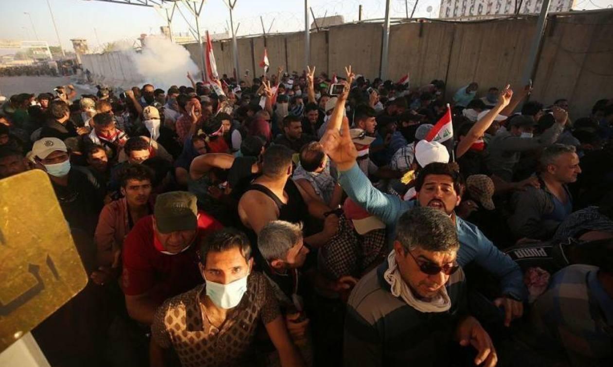 Ιράκ: Τουλάχιστον τέσσερις νεκροί και 90 τραυματίες από πυρά της αστυνομίας κατά διαδηλωτών (Vid)