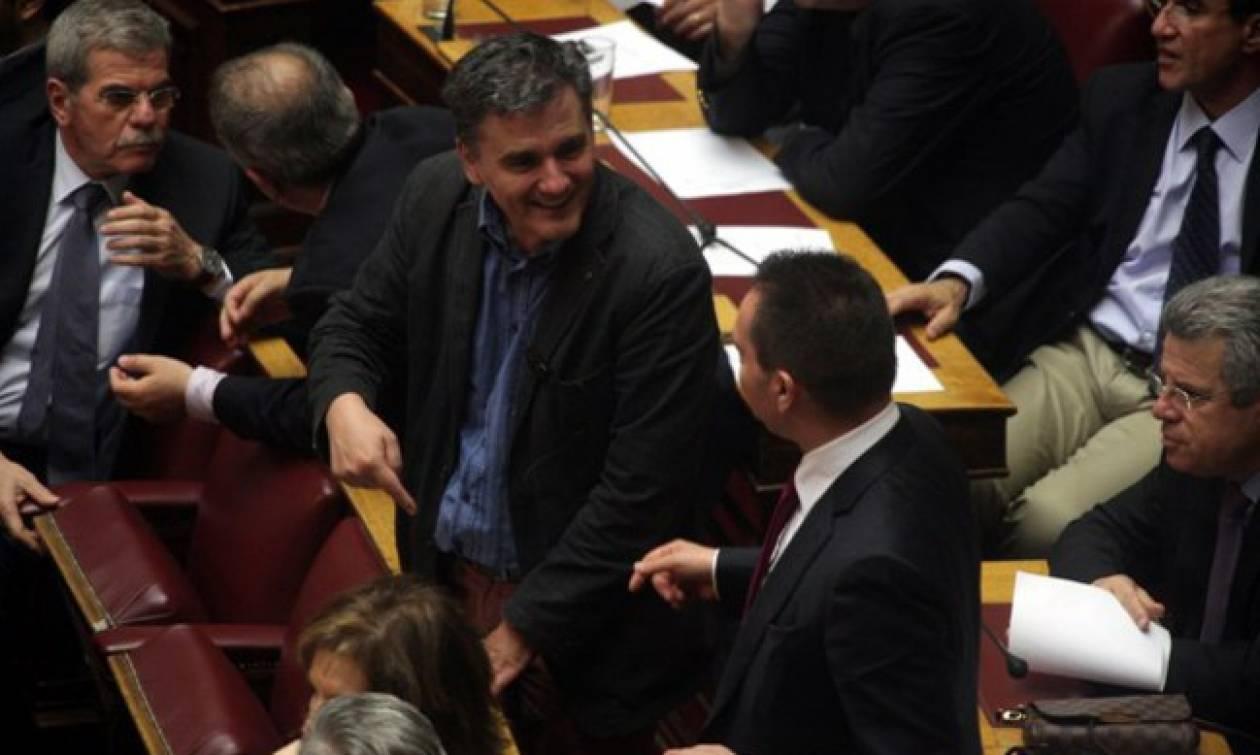 «Σχέδιο Στουρνάρα» σε συνεννόηση με την κυβέρνηση για πολιτική λύση στο χρέος