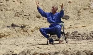 Φρίκη δίχως τέλος… Τζιχαντιστές λιώνουν το κεφάλι αιχμαλώτου τους με πέτρες (video)