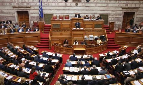 Πολυνομοσχέδιο: «Αλαλούμ» στη κυβέρνηση - Για το τέλος του 2016 πάνε τα ειδικά μισθολόγια