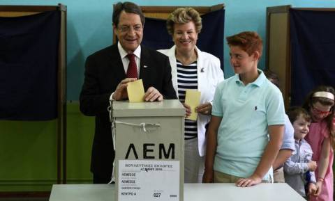 Εκλογές Κύπρος 2016: Προηγείται ο ΔΗΣΥ - Στη Βουλή το εθνικιστικό κόμμα