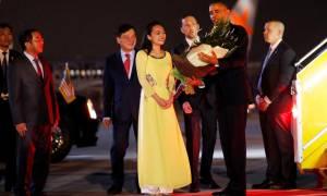 Ιστορική επίσκεψη του Μπαράκ Ομπάμα στο Βιετνάμ (Vid)