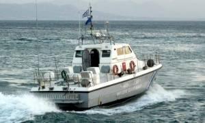 Και ξαφνικά «πάγωσαν» όλοι: Τρόμος με αυτό που είδαν στη θάλασσα (photo)