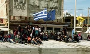 Χίος: Συνεχίζουν την απεργία πείνας οι 50 πρόσφυγες