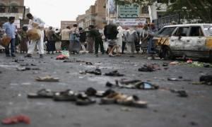 Τουλάχιστον 41 στρατιωτικοί νεκροί από διπλή επίθεση του ISIS στο Άντεν (Vids)