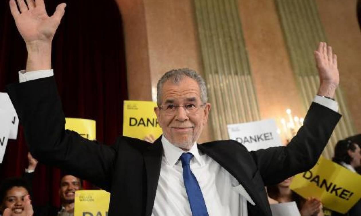 Τέλος στο εκλογικό θρίλερ στην Αυστρία: Νέος πρόεδρος ο «Πράσινος» Αλεξάντερ Βαν ντερ Μπέλεν