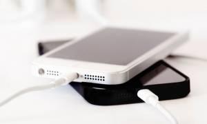 Απίστευτο: Έτσι θα φορτίζετε το κινητό σας μόλις μία φορά την εβδομάδα!