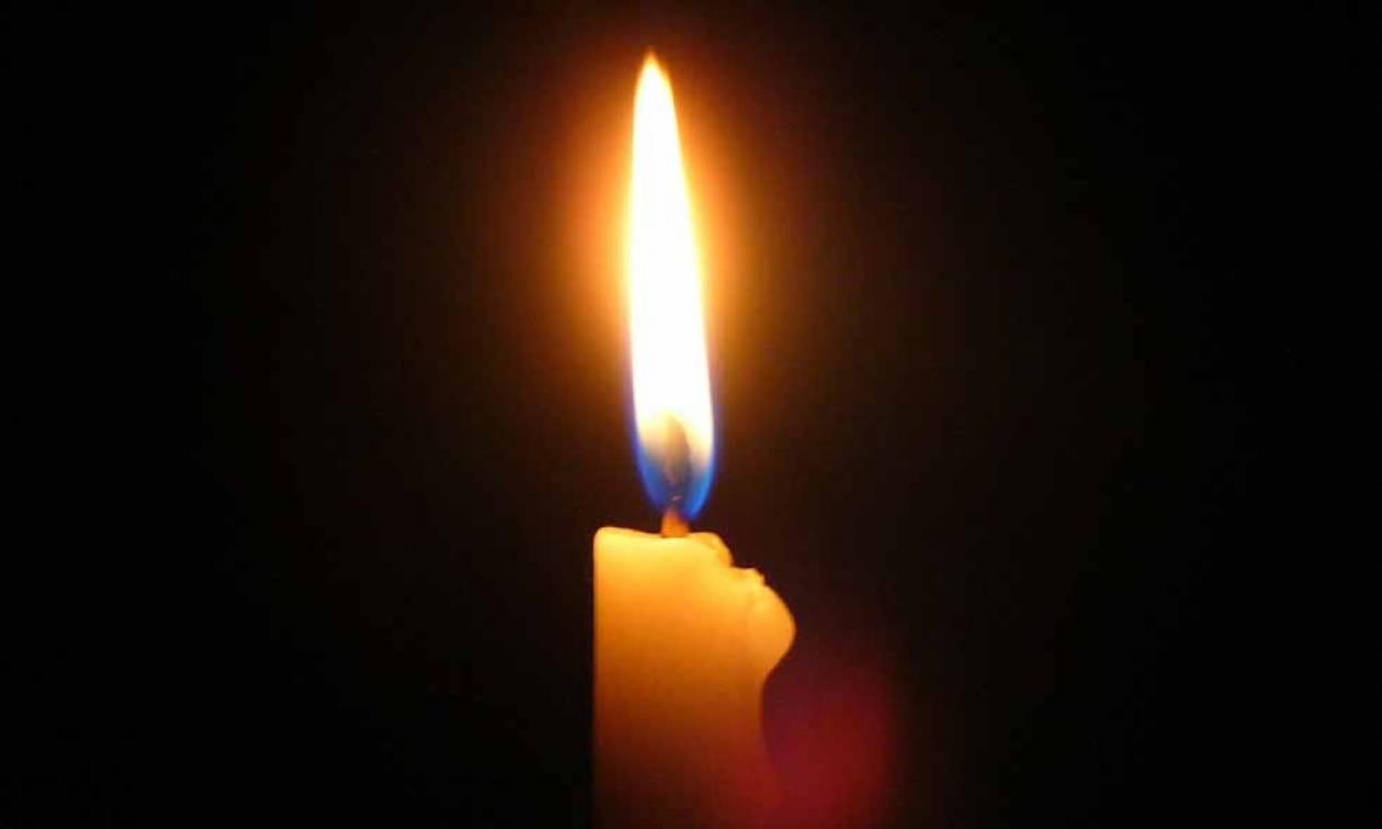 Άναψε κερί στο... twitter για την Ελλάδα ο Αμερικανός πρέσβης