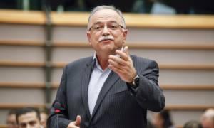Ευρωβουλευτές ζητούν από Μέρκελ και Ολάντ χαλάρωση της ελληνικής «θηλιάς»