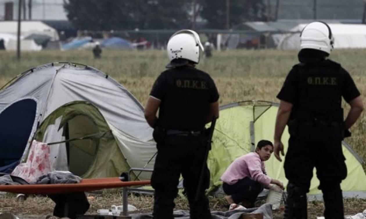 Власти Греции планируют сегодня начать эвакуацию мигрантов ибеженцев изстихийного лагеря