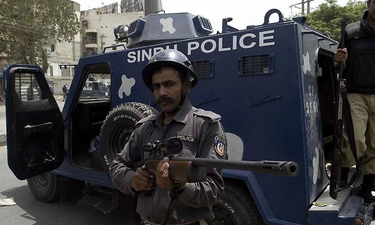 Πακιστάν: Τρεις αστυνομικοί νεκροί σε ένοπλη ενέδρα