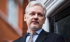 Wikileaks: Σουηδικό δικαστήριο ανανέωσε το ένταλμα σύλληψης του Ασάνζ παρά το πόρισμα του ΟΗΕ