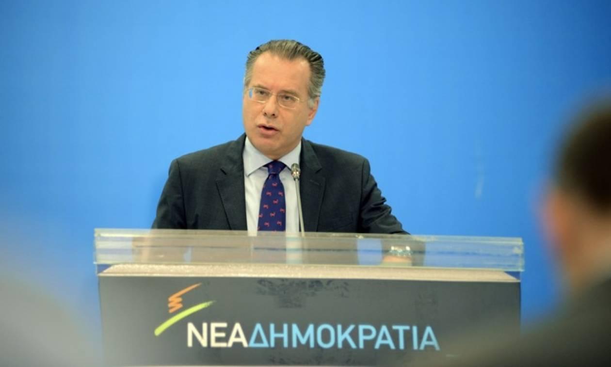 Κουμουτσάκος: Εγκλωβισμένη σε ψέματα και αυταπάτες η κυβέρνηση ΣΥΡΙΖΑ-ΑΝΕΛ