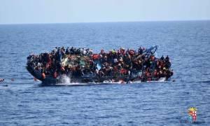 Ιταλία: Πέντε νεκροί από το ναυάγιο με μετανάστες ανοιχτά της Λιβύης (pic)