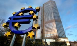 FT: Η ΕΚΤ κάνει αποδεκτά τα ελληνικά ομόλογα για τη χρηματοδότηση των ελληνικών τραπεζών