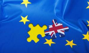 ΠΟΕ: To Brexit θα κοστίσει στη Βρετανία 9 δισ. λίρες σε εμπορικούς δασμούς