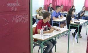Πανελλήνιες 2016: Διευκρινίσεις από το υπουργείο για τις επαναληπτικές Πανελλαδικές Εξετάσεις