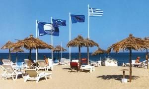 Γαλάζιες Σημαίες: Τρίτη στον κόσμο η Ελλάδα - λίστα με τις ελληνικές παραλίες