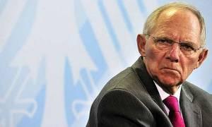 Νέα «βόμβα» Σόιμπλε: Δεν αποκλείω επιπλέον μέτρα για την Ελλάδα το 2018