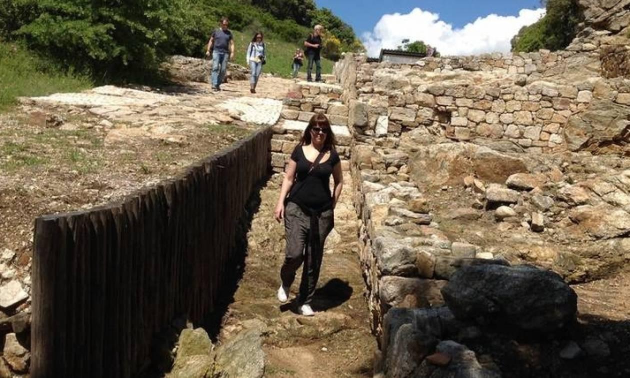 Τι αποκαλύπτει στο CNN Greece ο αρχαιολόγος που βρήκε τον τάφο του Αριστοτέλη