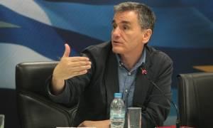 Απίστευτο θράσος Τσακαλώτου: Κατανοώ μία συνταξιούχο των 600 ευρώ