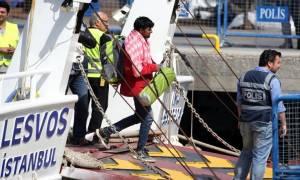 Όμιλος επιχειρήσεων και ΜΚΟ πίσω από το διεθνές κύκλωμα διακινητών μεταναστών