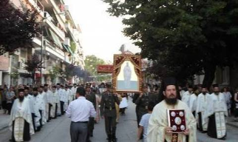 Τα λείψανα του Αγίου Βησσαρίωνα στα Τρίκαλα (video)
