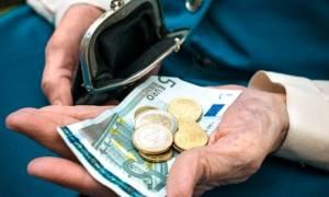 Πότε θα πληρωθούν οι συντάξεις σε ΙΚΑ, ΟΓΑ, Δημόσιο και ΟΑΕΕ