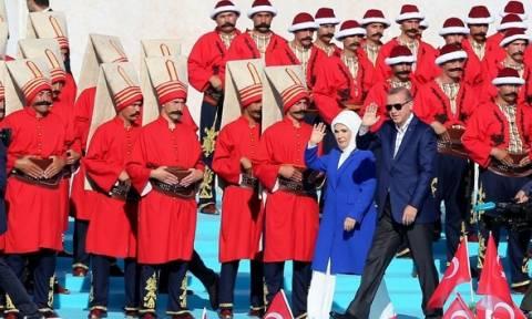 Προκλητική φιέστα του «Σουλτάνου» Ερντογάν για την επέτειο άλωσης της Πόλης (pics+vids)