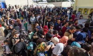 Εκρηκτική η κατάσταση στη Μυτιλήνη: «Φυλακισμένοι» νιώθουν πρόσφυγες και μετανάστες
