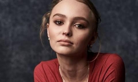 Η κόρη του Johnny Depp υπερασπίζεται τον πατέρα της