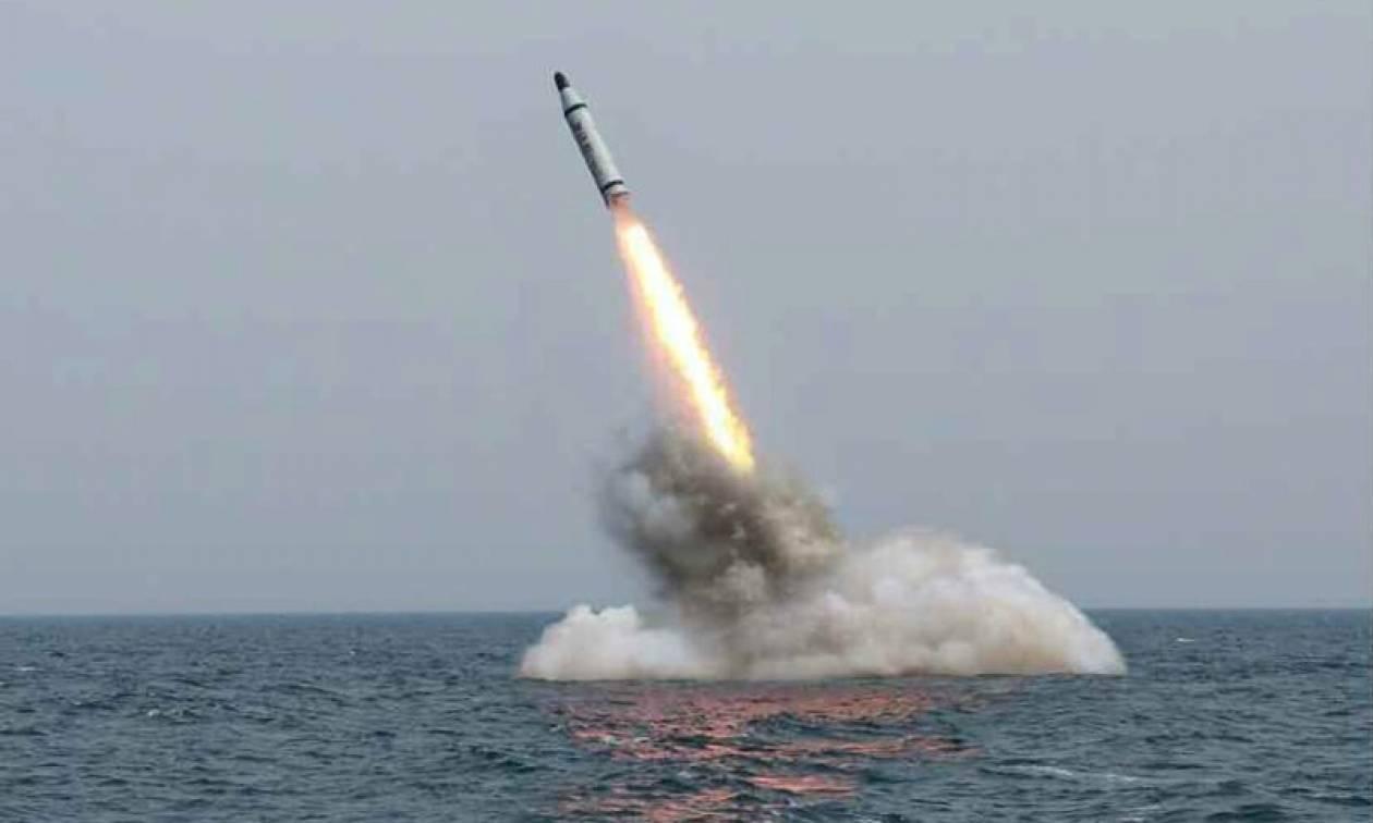 Συνεχίζει τη στρατηγική της έντασης ο Κιμ Γιονγκ Ουν - Νέα εκτόξευση βαλλιστικού πυραύλου (Vid)