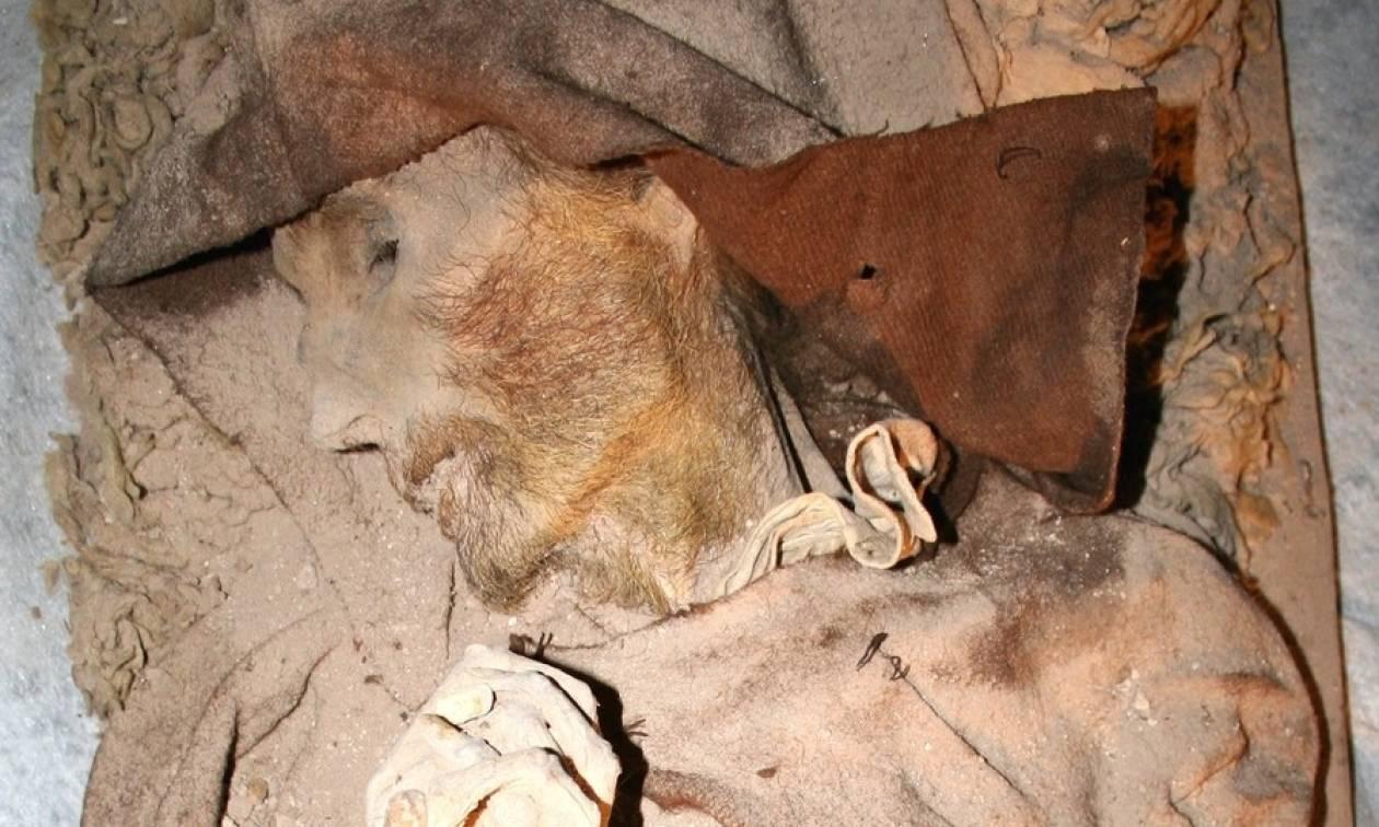 Έκπληκτοι αρχαιολόγοι ανακάλυψαν μούμια του «Βαν Γκογκ» σε ισπανική εκκλησία (Pics)