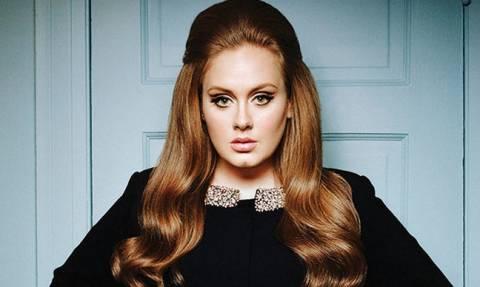 Το ξέσπασμα της Adele οn stage: Tα έβαλε με θαυμάστρια της!