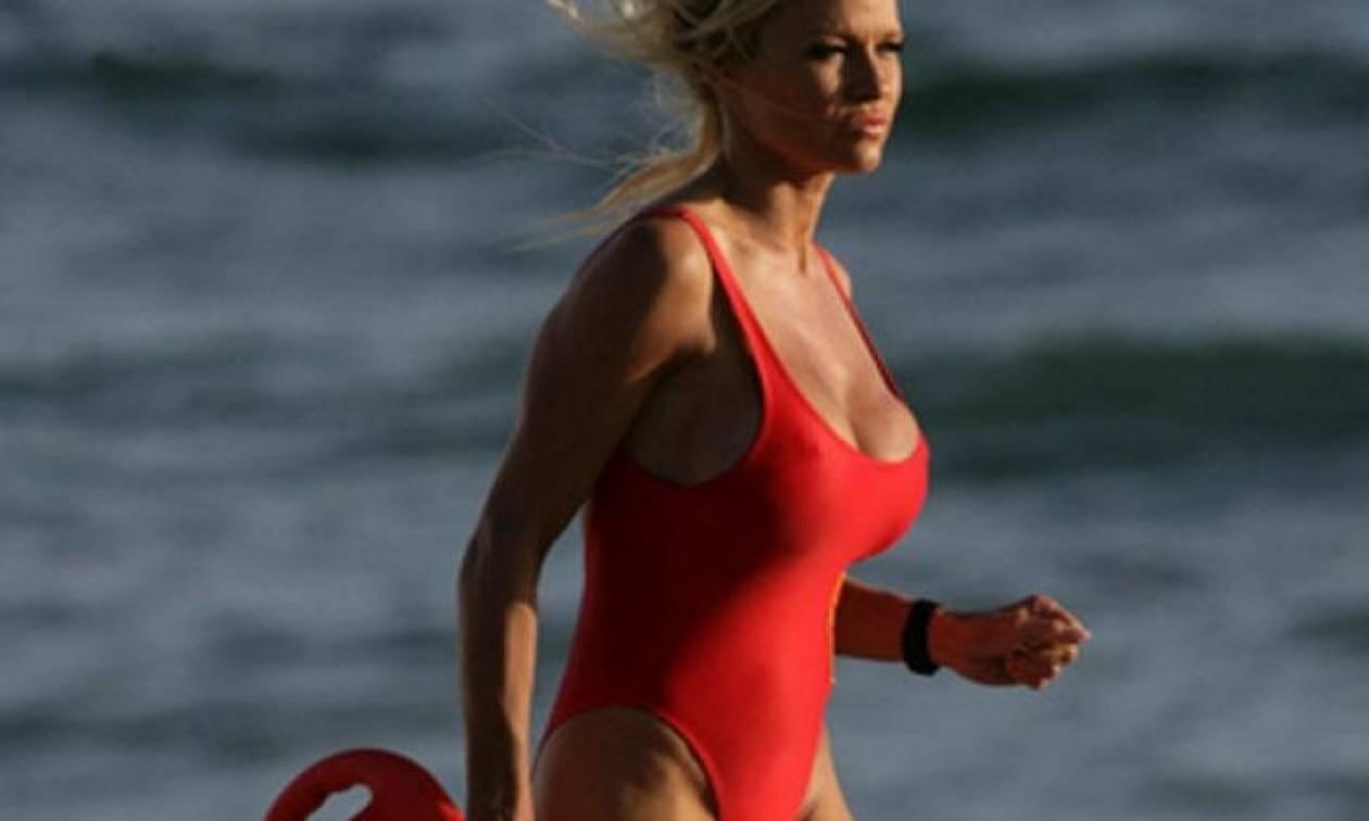 Προσοχή, αυτή είναι η νέα γυναικεία «τρέλα»: Ενισχυμένο στήθος για… μία ημέρα!