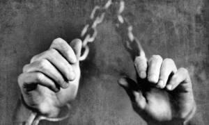 Σχεδόν 46 εκατ. άνθρωποι ζουν στη σκλαβιά - Οι περισσότεροι σε Βόρεια Κορέα και Ινδία (vid)