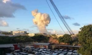 Πολύνεκρη επίθεση σε ξενοδοχείο στη Σομαλία (video)