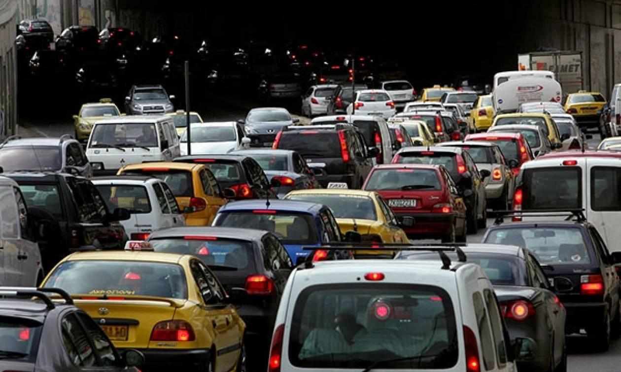 ΠΡΟΣΟΧΗ: Κυκλοφοριακό «έμφραγμα» στους δρόμους – Αυτά είναι τα σημεία που πρέπει να αποφύγετε