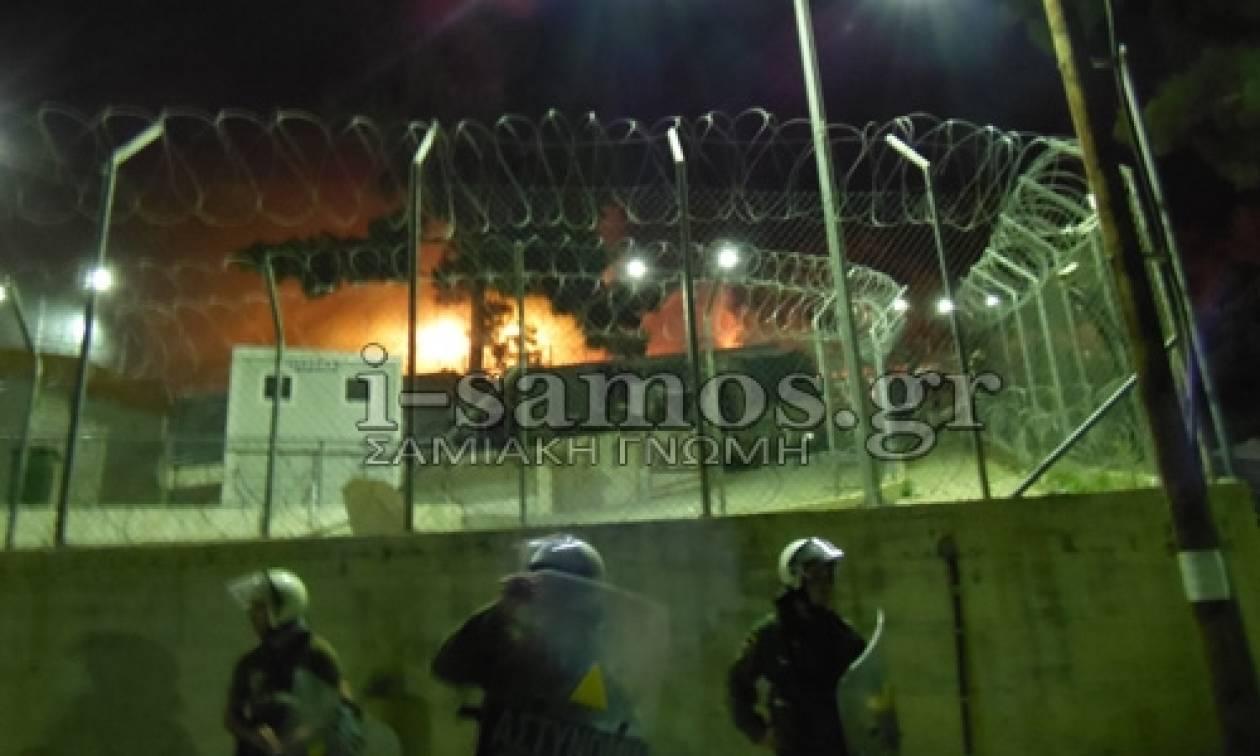 Πεδίο μάχης η Σάμος: Φωτιές και άγριες συμπλοκές μεταξύ μεταναστών με πολλούς τραυματίες (video)