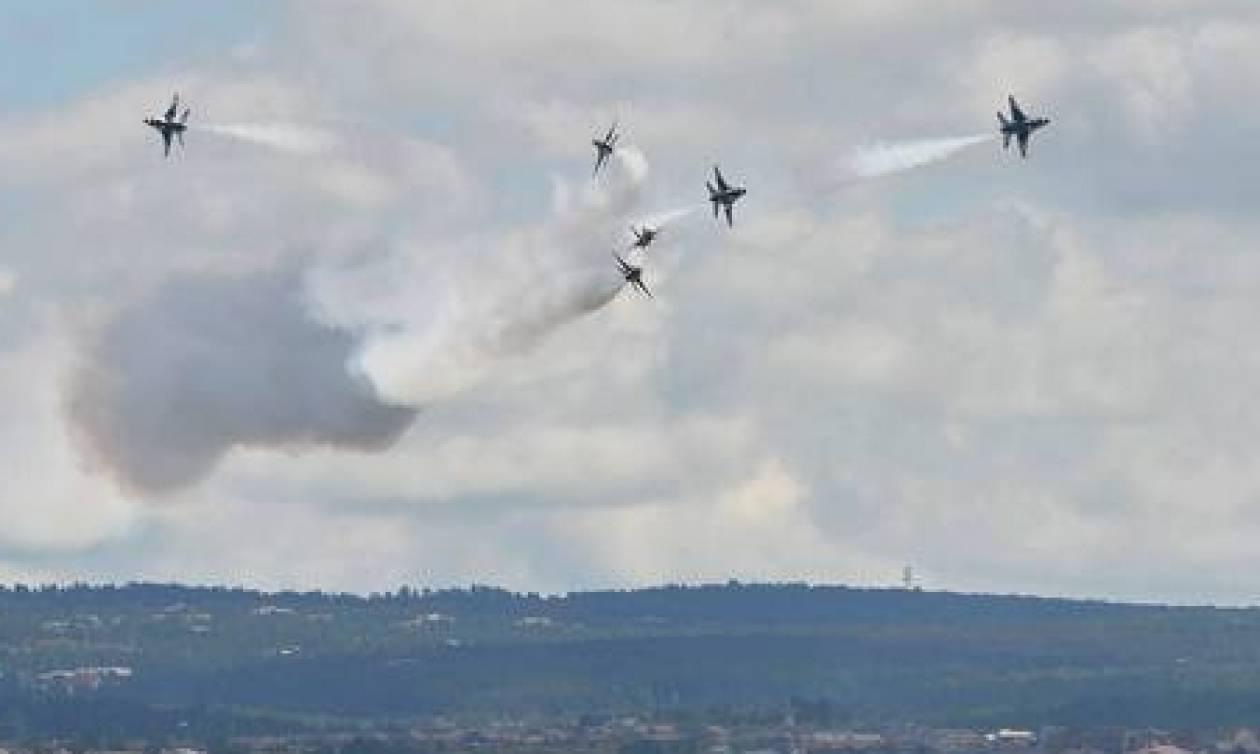 Σοκ στον αέρα: Συνετρίβησαν δύο πολεμικά αεροσκάφη των ΗΠΑ παρουσία Ομπάμα