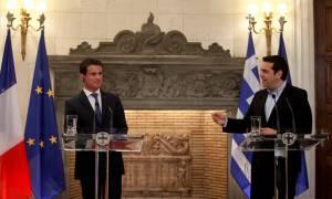 Η ατάκα του Τσίπρα που έφερε σε δύσκολη θέση τον Γάλλο πρωθυπουργό